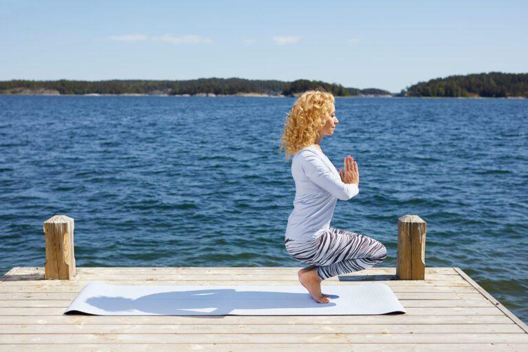 Annette Lefterow i sittande balansposition
